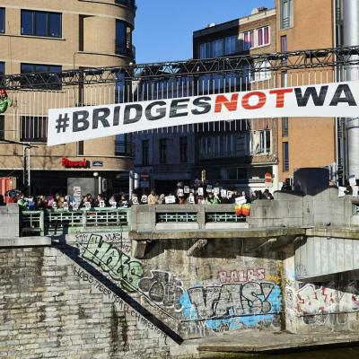 Bridges not walls_01